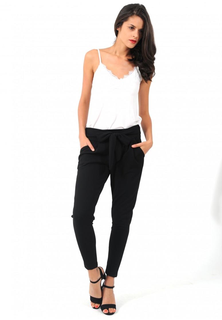pantalon fluide à noeud noir. Toucher pour agrandir 89fd7fb416c