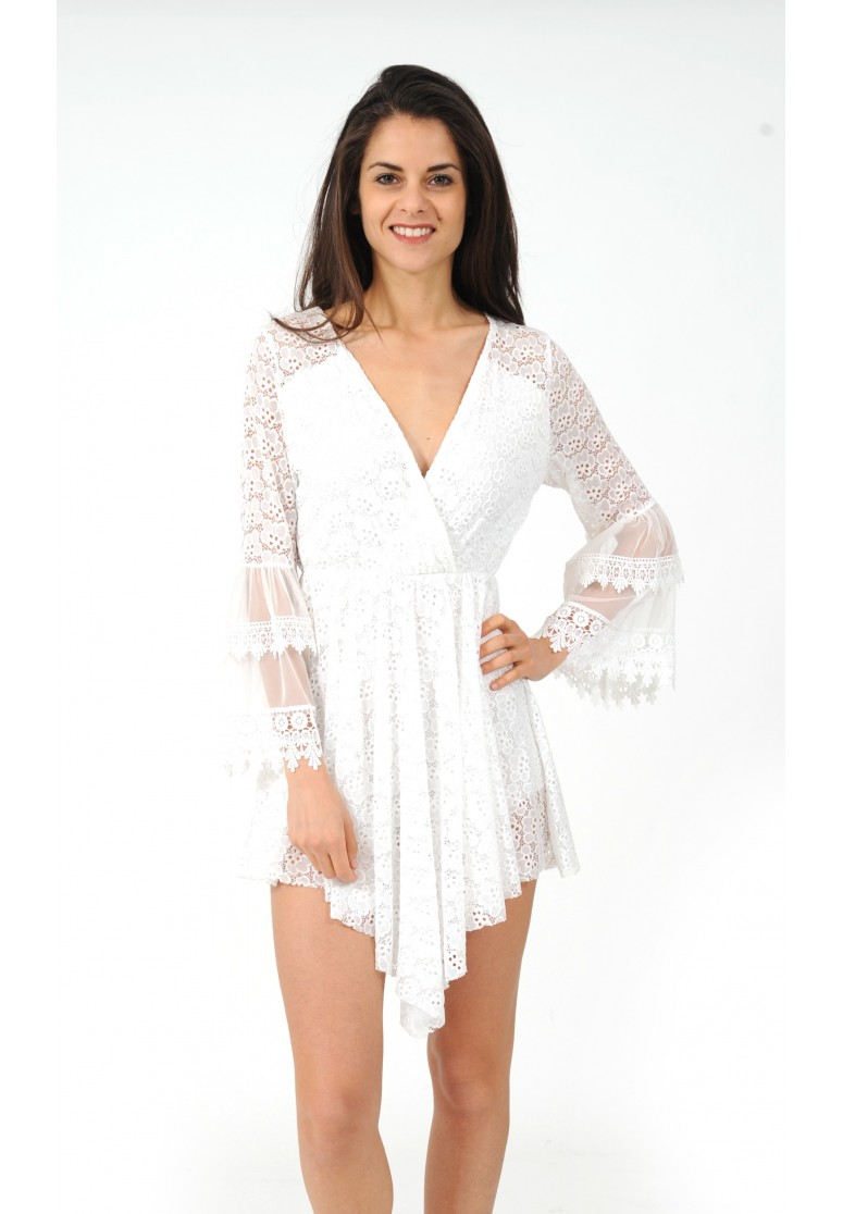 Combishort blanc en dentelle effet robe