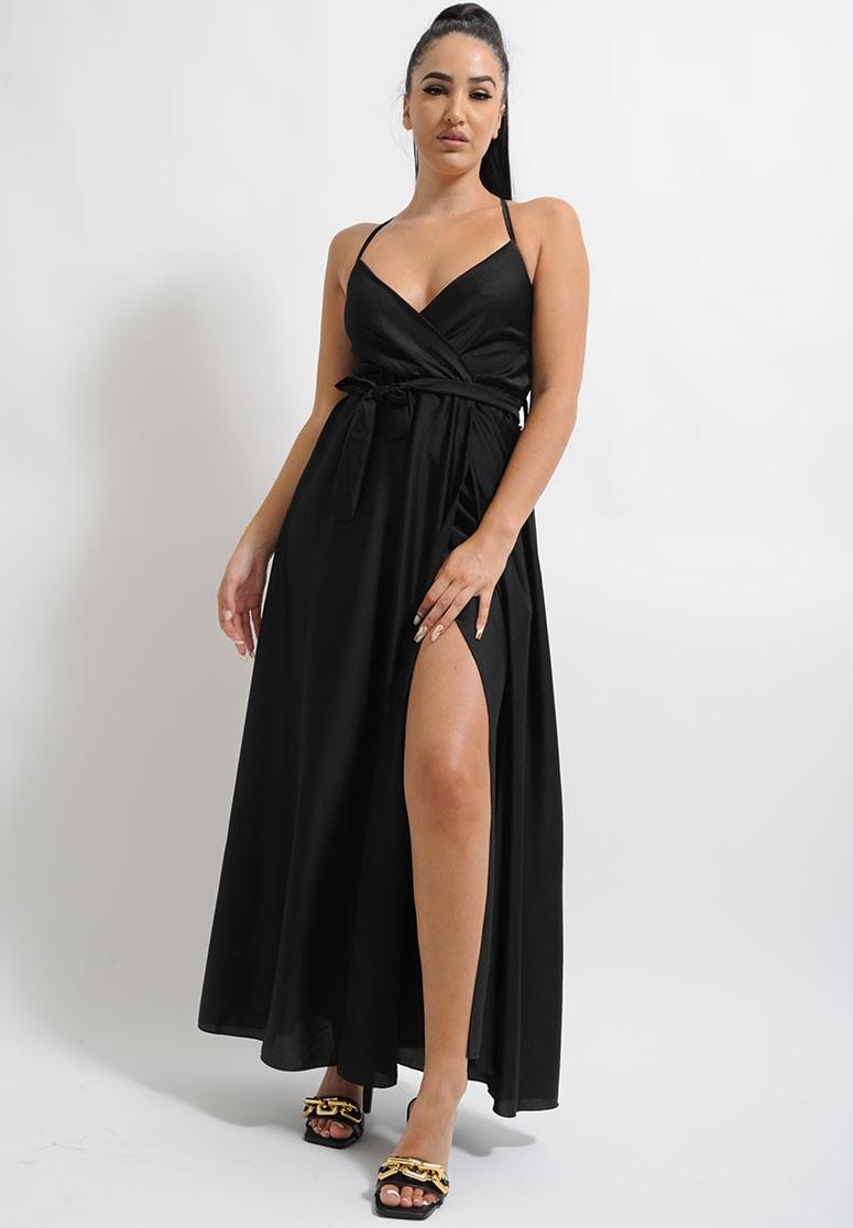 Robe longue satiné noire à fente fines bretelles